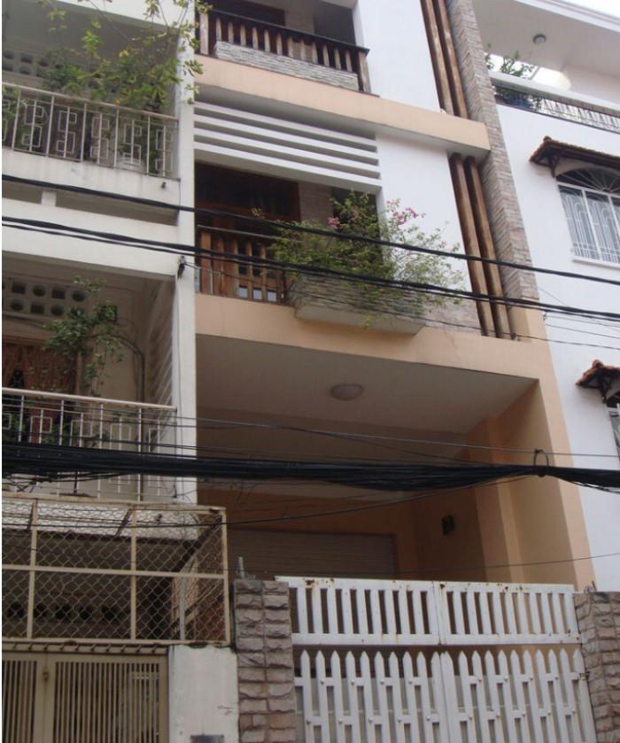 Cần bán nhà trên đường Kinh Dương Vương, chính chủ.