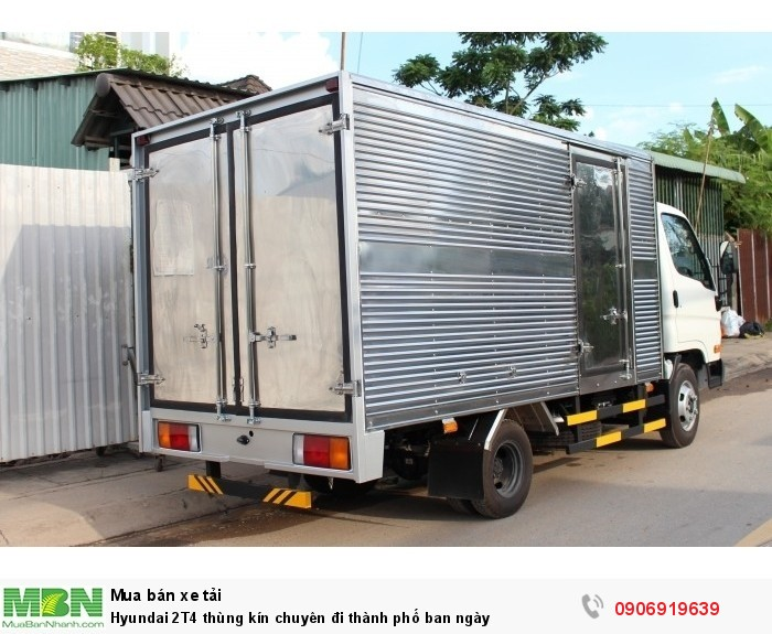 Hyundai 2T4 thùng kín chuyên đi thành phố ban ngày