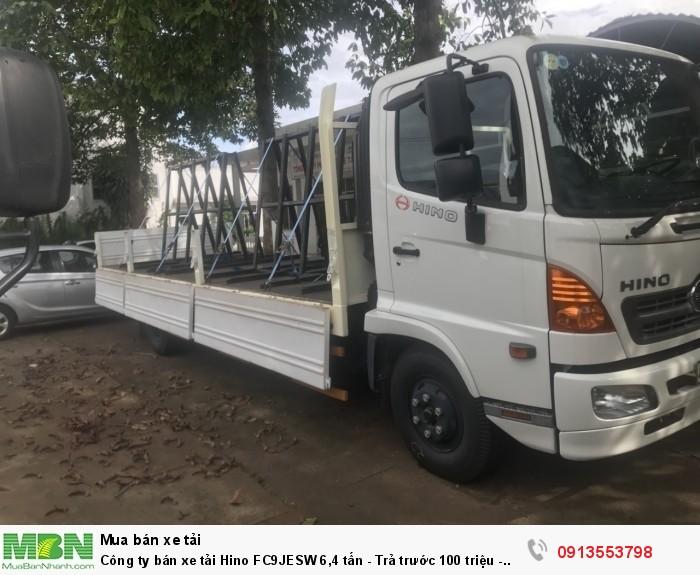 Công ty bán xe tải Hino FC9JESW 6,4 tấn - Trả trước 100 triệu - Giao xe ngay