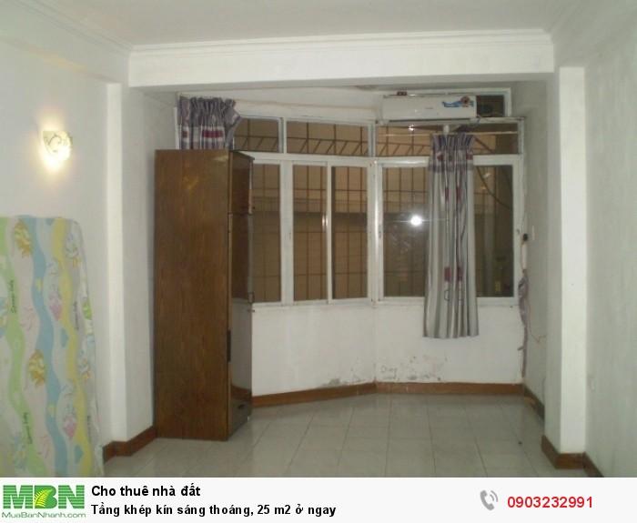 Tầng khép kín sáng thoáng, 25 m2 ở ngay