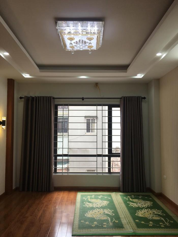 Bán nhà chính chủ 3 tầng kiểu biệt thự ngõ 31 Trần Quốc Hoàn, Cầu Giấy