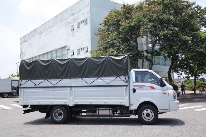 Xe tải 2T4 Daisaki máy ISUZU thùng dài 3m6