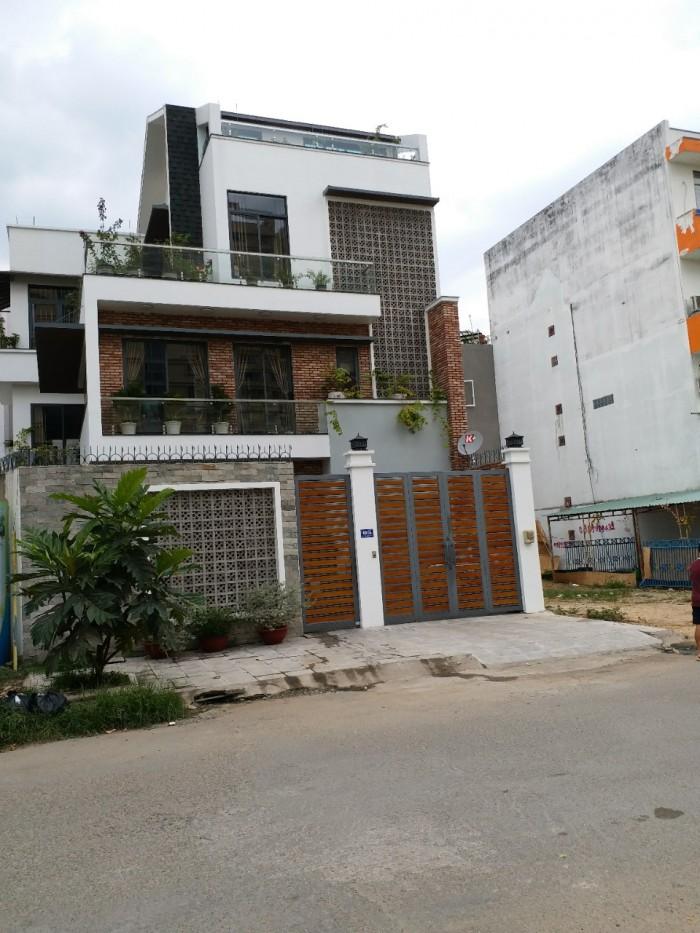 Nhà mặt phố, Bố làm to! 1 trệt 2 lầu 100m2, giá 3 tỷ, Thị trấn Củ Chi, SHR