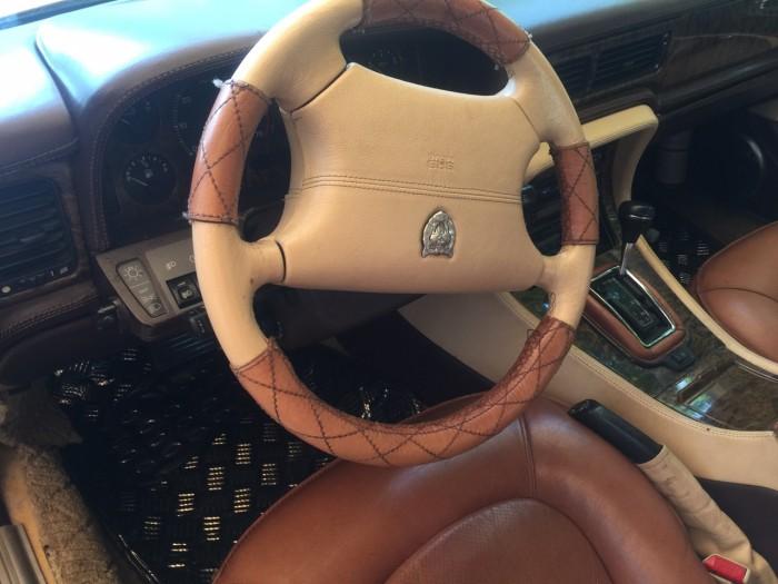 Xe Jaguar 1996
