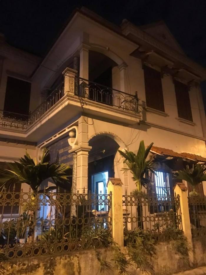 Cho thuê nhà Cổ Linh - Long Biên 2,5 tầng  làm văn phòng, phòng khám, quán nét DT: 56m2 giá 12tr/ tháng