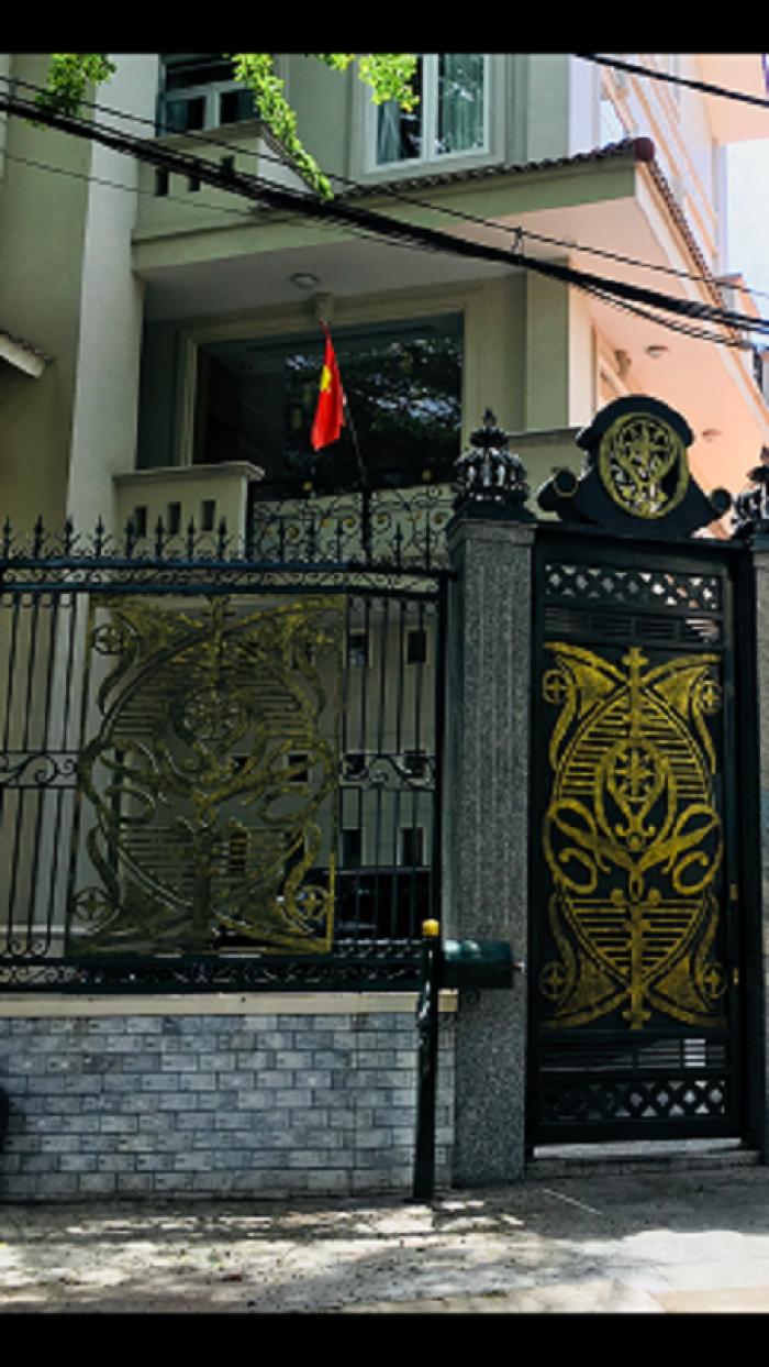Bán nhà mặt tiền đường nhựa gần chợ Bình Chánh