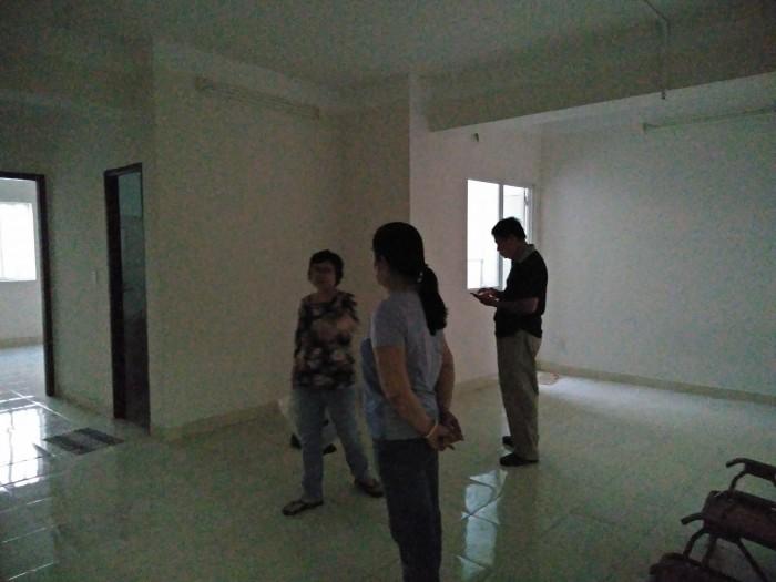 Bán căn hộ cao cấp lô góc quận Bình Tân giá rẻ 1 tỷ 050 triệu
