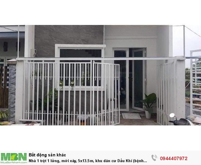 Nhà 1 trệt 1 lửng, mới xây, 5x13.5m, khu dân cư Dầu Khí (bệnh viện Nhi Đồng)