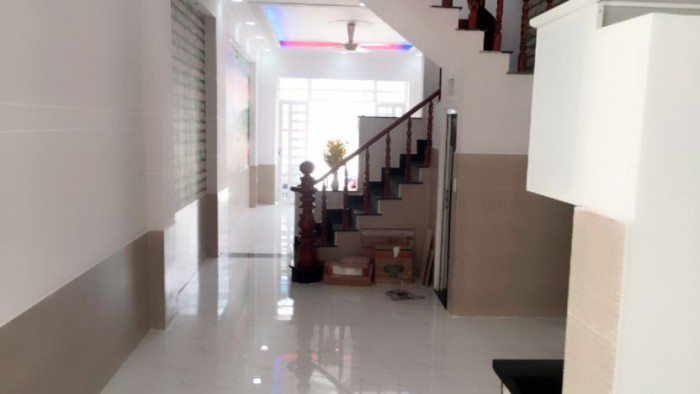 HOT! Nợ dí cần bán gấp nhà mặt tiền Hậu Giang, P.6, 90 m2