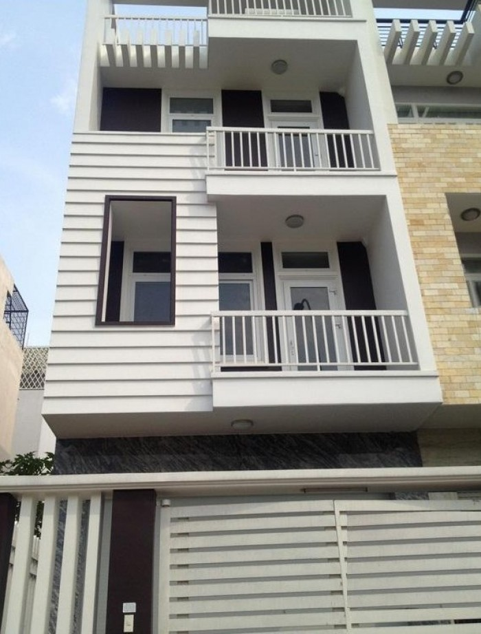Đi nước ngoài định cư cần bán rẻ nhà MT Nguyễn Văn Khạ, 215m2, ngang 10m. SHR.