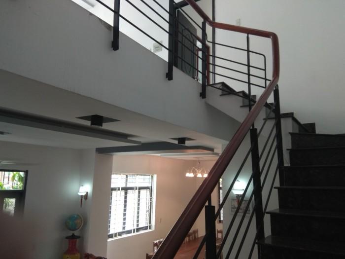 Cần bán Biệt Thự DT sàn 285 m2=7,9 tỷ ,2 lầu 1 trệt, đường số 09 Phú Hữu,