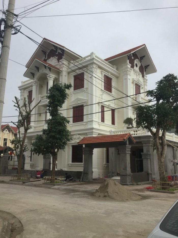 Biệt Thự Ven Sông DT 8x14 .3 lầu Ngay Thị Trấn Bến Lức TT 50%
