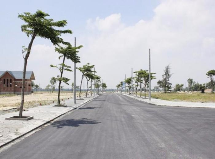 Bán gấp lô đất nền trung tâm xã Vĩnh Tân tp mới BD