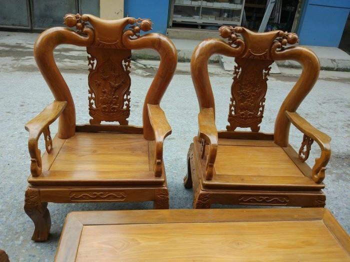 Bộ bàn ghế đục đào gỗ nghiến1