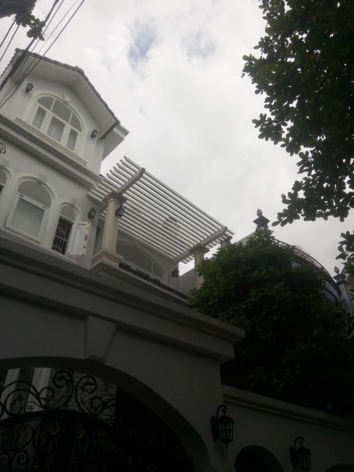 Bán căn biệt thự đẹp nằm trên đường Đô Đốc Long.DT 7,7x20m ( NH 8m).