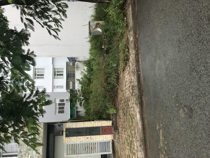 Cần bán ngôi nhà và nền đất q8+Bình Chánh quốc lộ 50