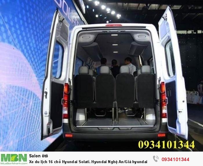 Xe du lịch 16 chổ Hyundai Solati. Hyundai Nghệ An/Giá hyundai 16 chổ. Hỗ trợ vay ngân hàng 70% 8