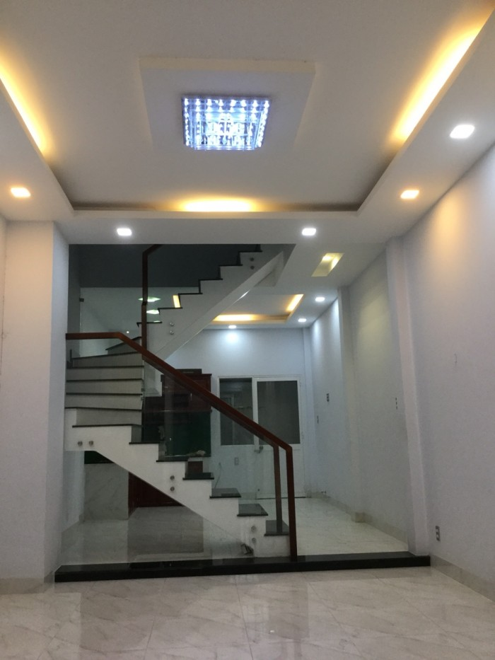 Nhà SHR 1 tum/1 trệt/1 lầu, dt 95 m2 Nguyễn Duy Trinh Vòng xoay Phú Hữu