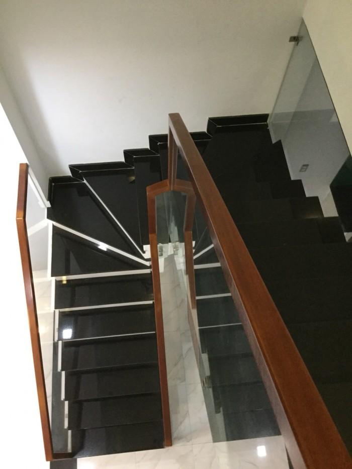 Chính chủ cần bán Biệt Thự ,2 lầu 1 trệt đ. số 9 Phú Hữu DTich sàn 285 m2