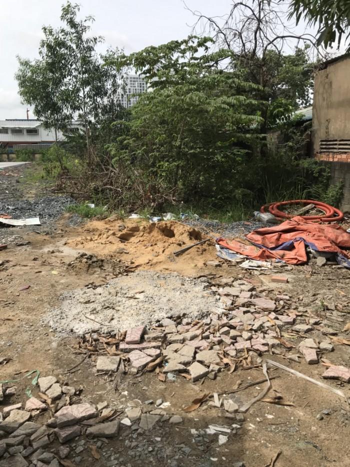 Bán lô đất 5.2x20 MT Nguyễn Văn Quỳ ngay đường vào CC Luxgaden