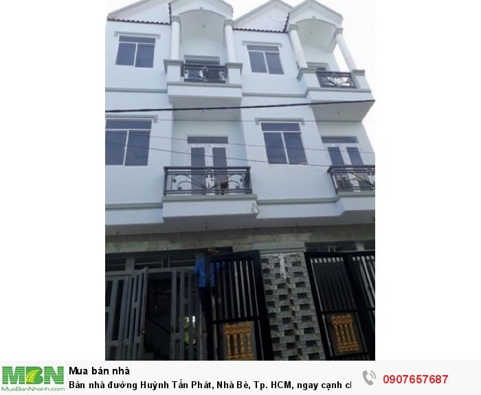 Bán nhà đường Huỳnh Tấn Phát, Nhà Bè, Tp. HCM, ngay cạnh chân cầu Phú Xuân. DT 3.2m x 12m
