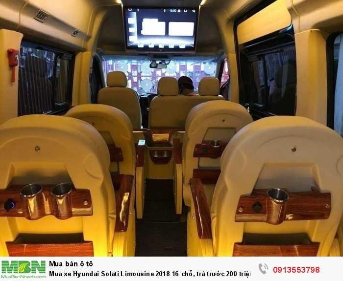 Khuyến mãi mua xe 16 chỗ Hyundai Solati Limousine, trả trước 200 triệu, giao xe ngay - Hotline: 0913553798 (24/24)
