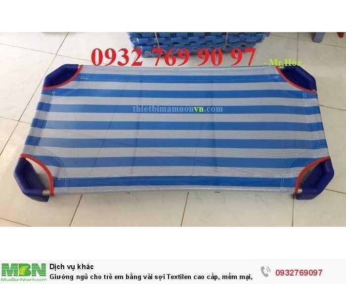 Giường ngủ cho trẻ em bằng vải sợi Textilen cao cấp, mềm mại, an toàn cho bé1