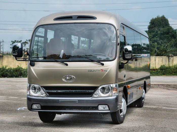 Hyundai County đồng vàng thân dài giao xe ngay, hỗ trợ trả góp tới 75%
