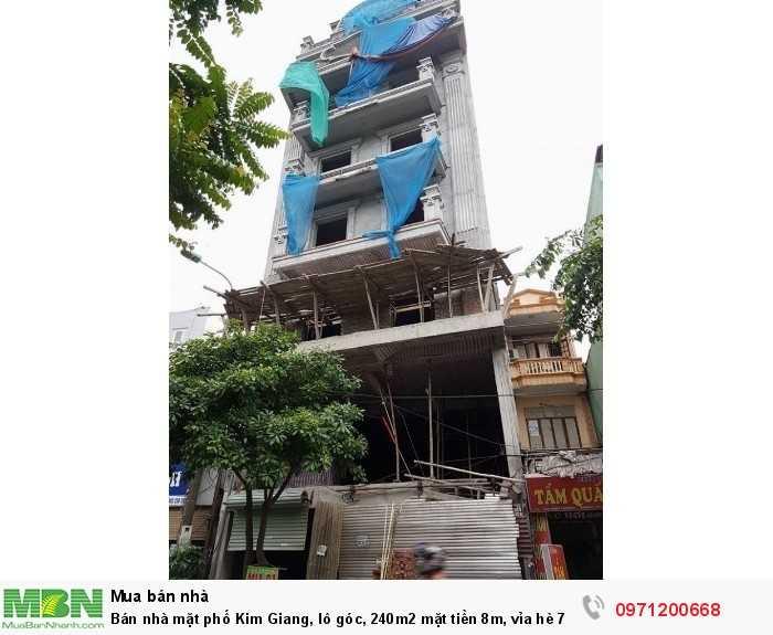 Bán nhà mặt phố Kim Giang, lô góc, 240m2 mặt tiền 8m, vỉa hè 7m, nhiều tòa nhà VP….KD sầm uất!