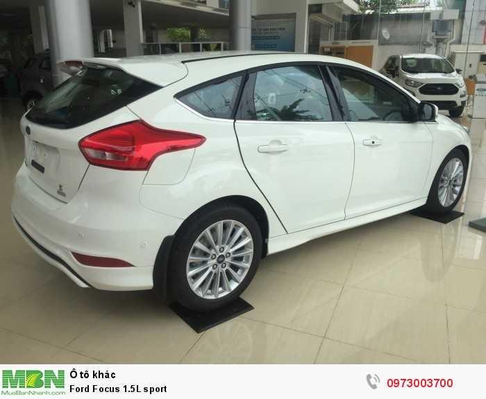 Khuyến mại lớn giảm giá xe Ford Focus 1.5L sport giao xe ngay