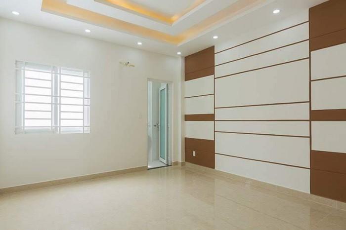 GẤP! Xuất cảnh cần bán nhà MT Trần Quang Diệu, Q.3, 75 m2, SHR.