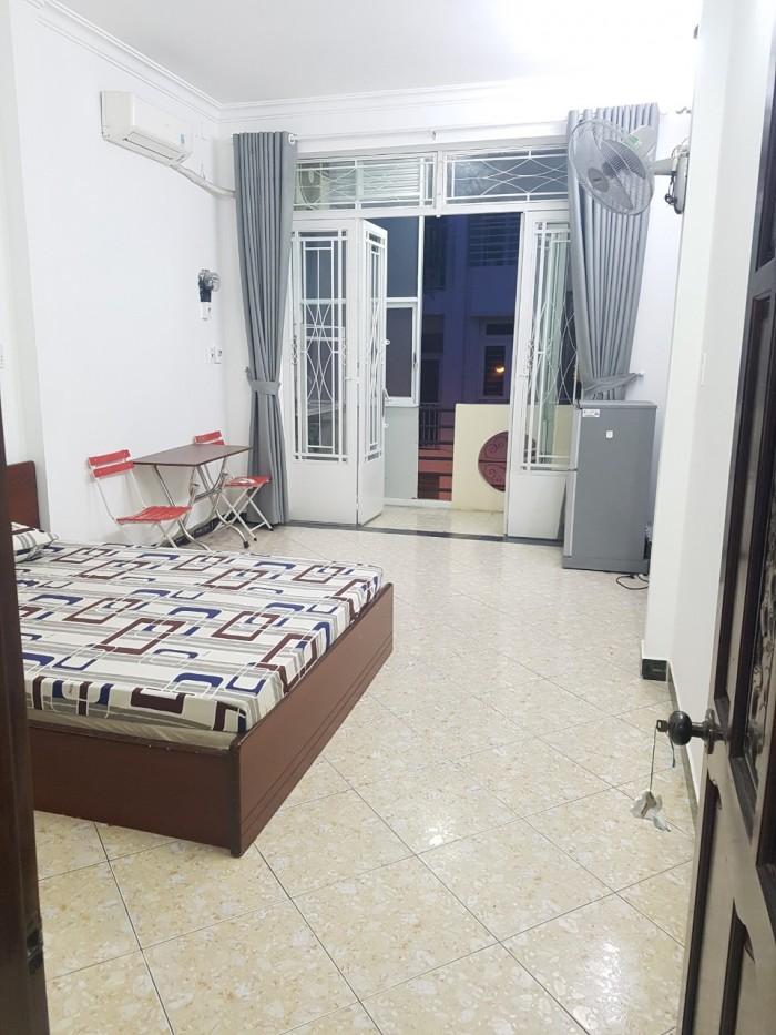 Cho thuê căn hộ cao cấp giá rẻ đường Nguyễn Hữu Cảnh quận Bình Thạnh