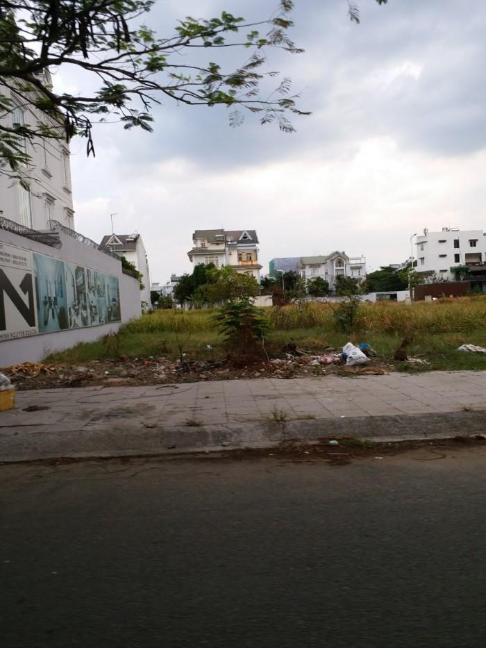 HOT!!!bán đất mặt tiền Lương Đình Của, quận 2, 250m2 (15x17)