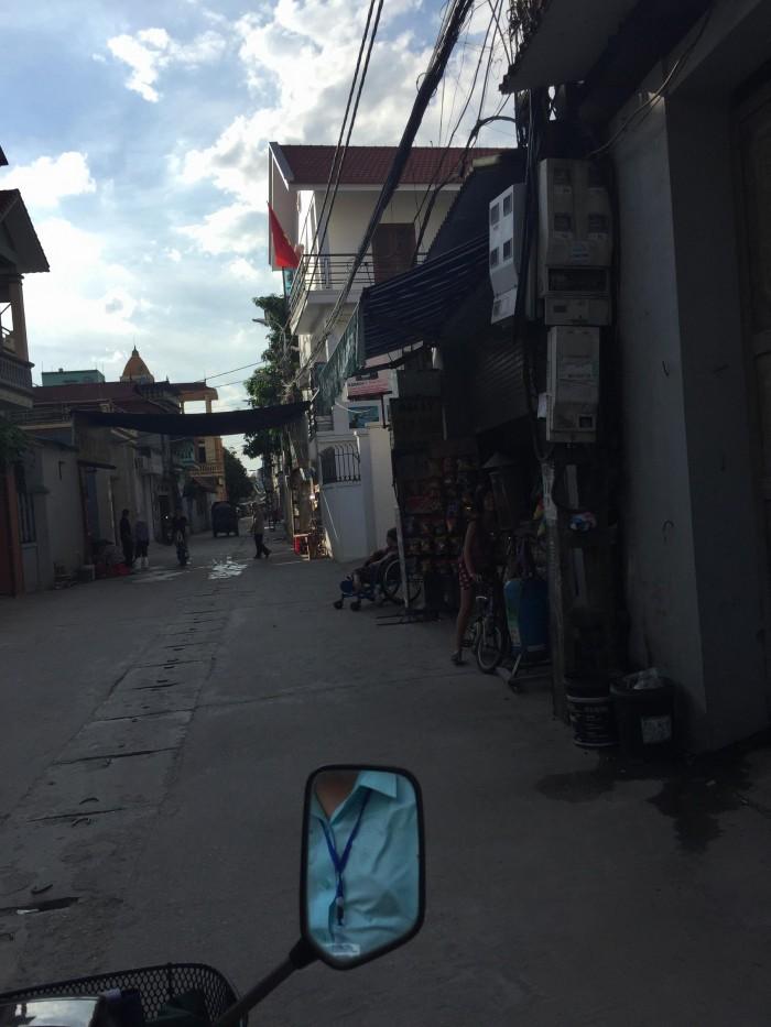Bán đất sổ đỏ chính chủ DT 63m2 Thạch Bàn, Long Biên.