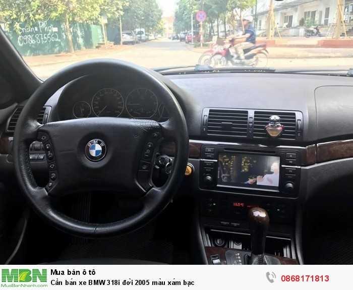 Cần bán xe BMW 318i đời 2005 màu xám bạc