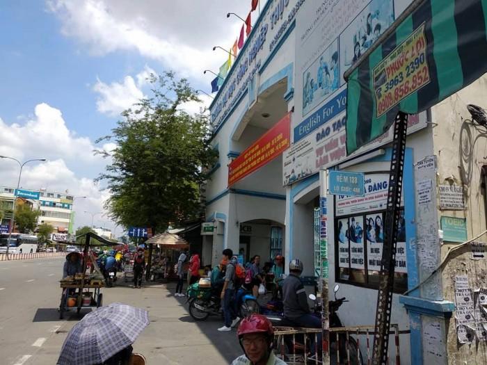 Bán gấp nhà Trần Quang Diệu, Q3, 260m2