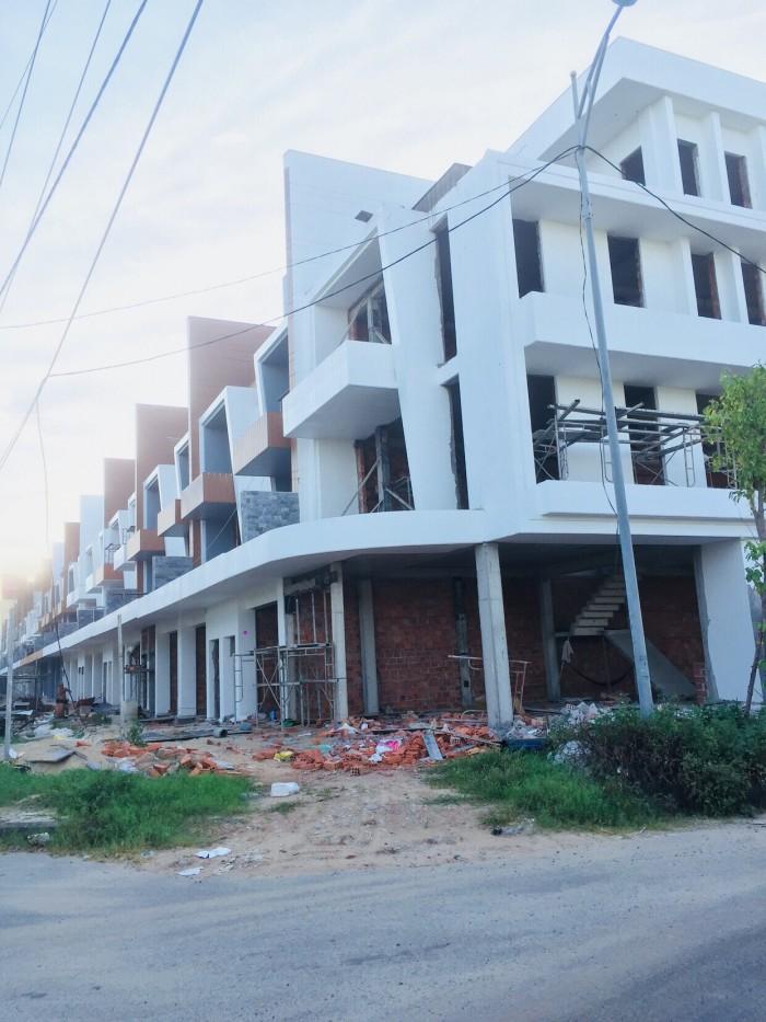 Cần vốn kinh doanh, bán lỗ nhà 4 tầng TT Hải Châu,ĐN, cạnh Lotte Mart, cách sông Hàn 100m