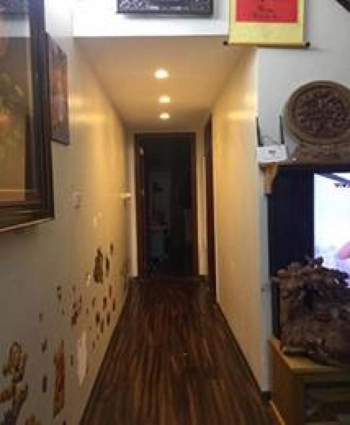 Bán CHCC căn góc, tầng 31, 56m2, ban công Đông Nam,giá siêu mềm