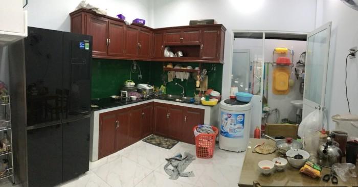 Nhà mới đẹp 1 trệt 2 lầu tặng toàn bộ nội thất Đ.990 Phú Hữu