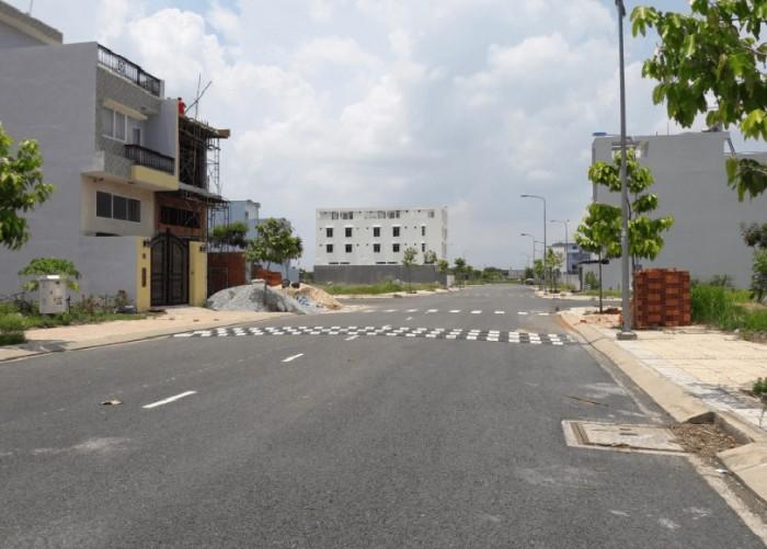 Đất MT Đoàn Nguyễn A-B.Chánh- sổ Đỏ- chỉ 405tr/125m2, hướng Đông.