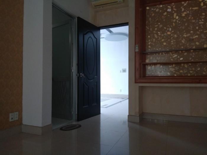 Tôi cần bán Biệt Thự ,2 lầu 1 trệt đ. số 9 Phú Hữu, 285 m2 sàn