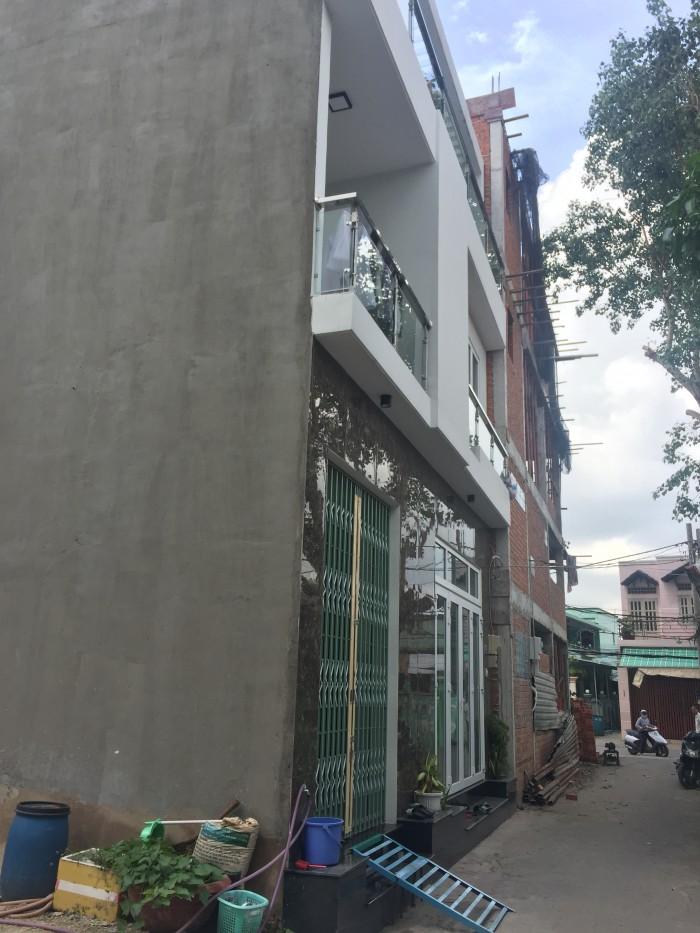 Chính chủ bán, Phước Long B, Quận 9, 2 mặt tiền rộng 4m.
