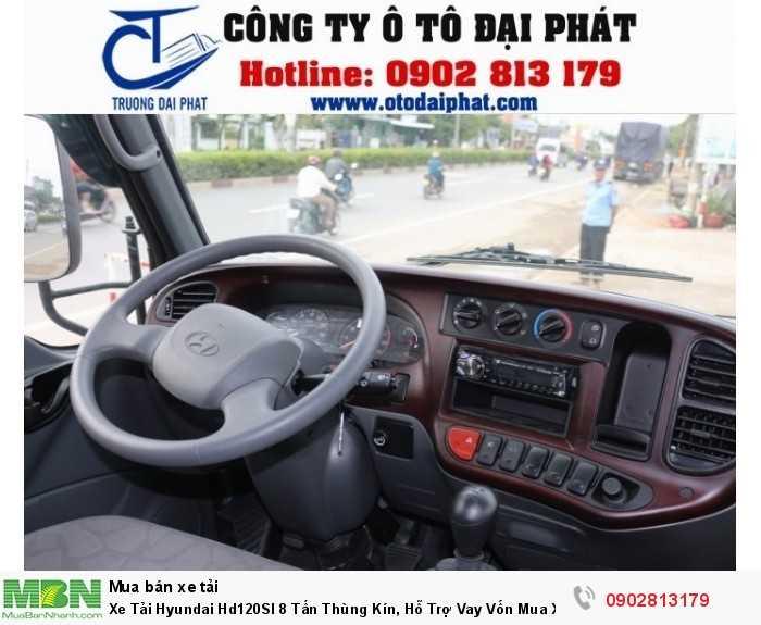Xe tải Hyundai HD120SL có thiết kế nội thất vô cùng nổi bật và sang trọng, được óp vân gỗ sang trọng và màu xám ghi chủ đạo. Cùng với đó là nhiều tiện nghi vô cùng tiện ích, hệ thống giải trí (radio, FM, MP3…), hệ thống âm thanh sống động, hệ thống điều hòa mát lạnh, hộp đựng đồ tiện lợi, đem đến một không gian cabin vô cùng thoáng mát, thoải mái cho người lái khi di chuyển trên đường dài Bảng điều khiển được đặt để vô cùng hợp lý ở vị trí trung tâm, với nhiều phím chức năng vô cùng tiên tiến và hiện đại. Giúp người lái đễ dàng sử dụng và điều chỉnh khi đang lưu thông trên đường.