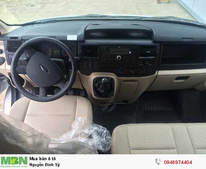 Ford Transit bản tiêu chuẩn Mid 2