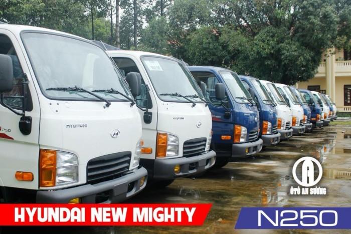 Giá xe tải Hyundai 2t4 thùng bạt 13