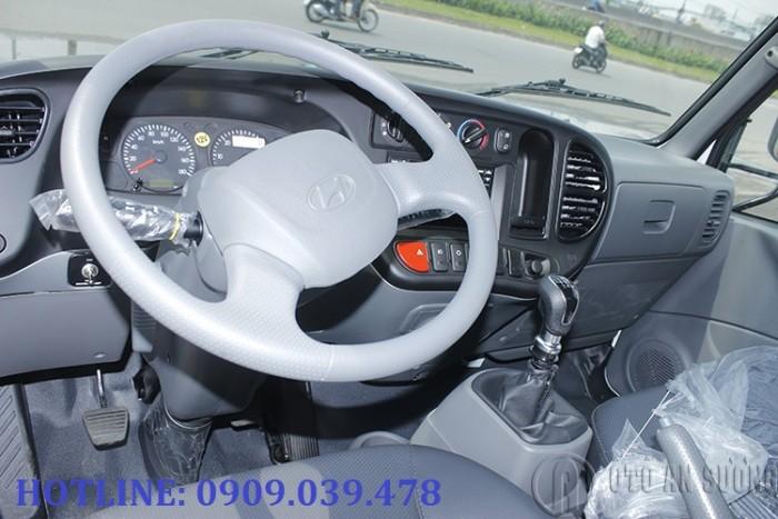 Giá xe tải Hyundai 2t4 thùng bạt 9