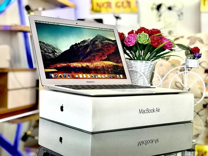 Chuyên bán Macbook tại Thái Nguyên0