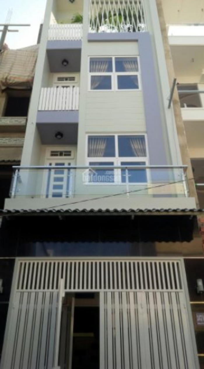 Vợ chồng ly hôn bán nhà mặt tiền đường 3/2, Q.10, 75 m2