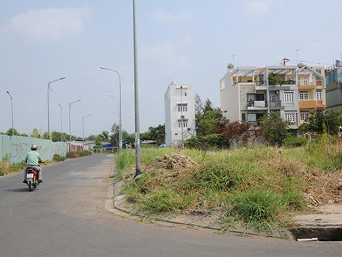 Rẻ! Chị 2 tôi cần tiền chữa bệnh nên cần bán 802m2 thổ cư gần chợ Phú Lạc