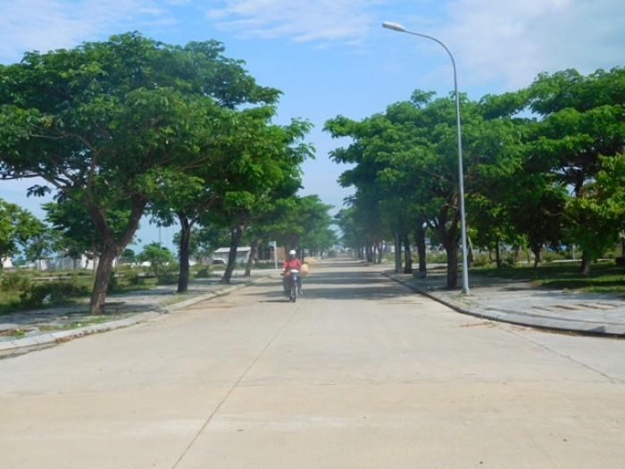 Tôi cần bán lô đất đường 10.5m khu đô thị sinh thái Golden Hills, Liên Chiểu, Đà Nẵng.